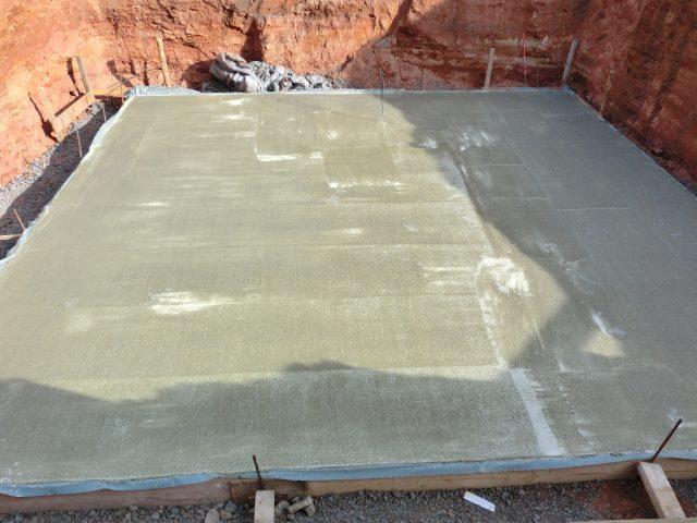 Die Bodenplatte ist gegossen und kann trocknen; die Betriebsferien starten - 07.07.16